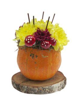 Аранжировка с хризантеми