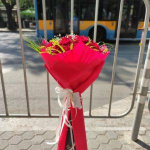 Букет от 19 рози